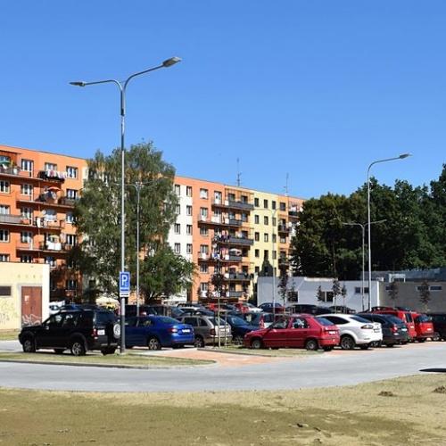 Parkoviště na Alžírské ulici