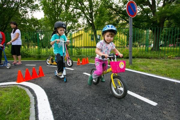 Loni realizovaný nápad - rekonstruované dopravní hřiště na ulici Ukrajinská