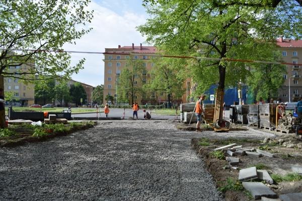 Stavební práce na předprostoru Dukly