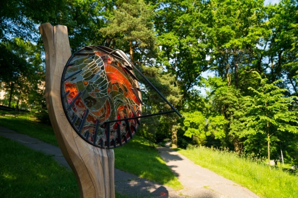 Sluneční hodiny v Zámeckém parku.  Foto: Jiří Birke