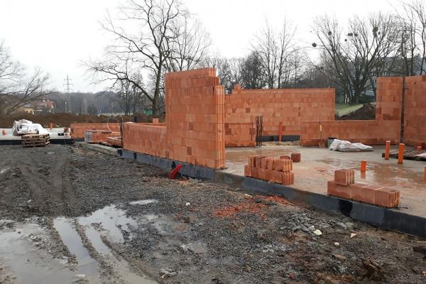 Stavba komunitního centra. Stav z ledna 2018.