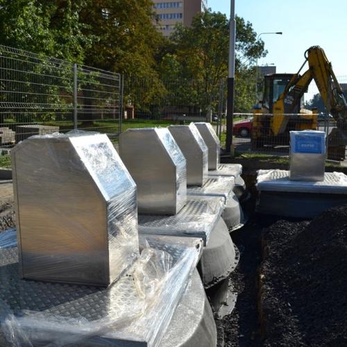 Nové podzemní kontejnery se staví na Bulharské